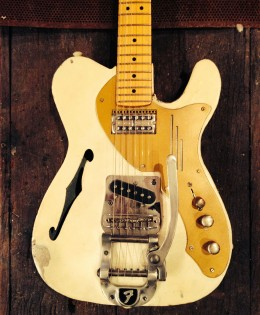 1312 >> White SteelTele